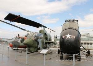 elicotteri e aerei all'Intrepid sea air space museum