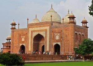 Nagar Khanas al Taj Mahal