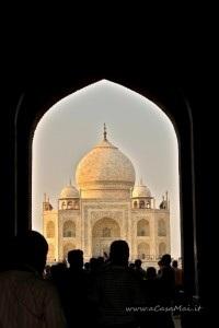 Taj Mahal visto dall'entrata