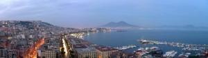 Città di Napoli al tramonto