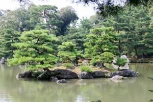 rocce nel lago del Kinkakuji, Kyoto