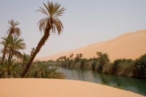 Danau Unik di Tengah Lautan Pasir Ubari, Libia