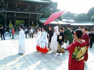 Matrimonio tradizionale shintoista avanti al Meiji Jingu, Tokyo