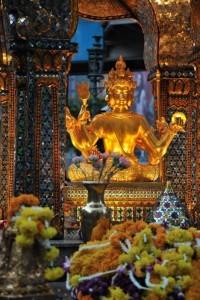 Statua all'Erawan Shrine, Bangkok