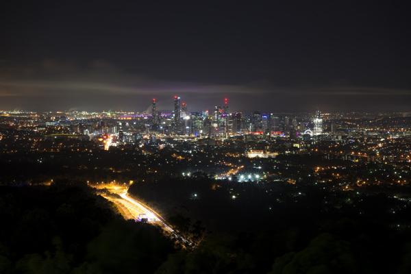 Mount Coot Tha di notte, Brisbane