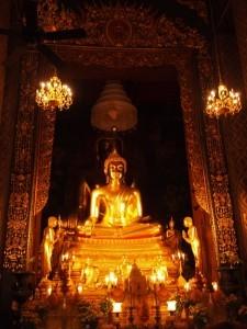 Phra Buddha Jinasiha al Wat Bowonniwet Vihara, Bangkok 1