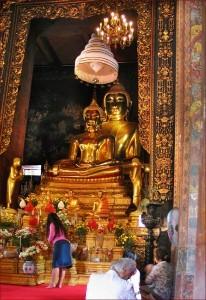 Phra Buddha Jinasiha al Wat Bowonniwet Vihara, Bangkok 2