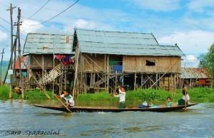 Bimbi al lago Inle, Myanmar