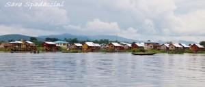 Palafitte sul lago Inle, lago Inle