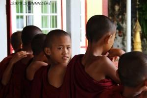 Piccoli monaci a Pindaya Caves 2, Myanmar