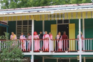 monaci-al-aung-myae-oo-free-monastic-education-school-4-sagaing-birmania