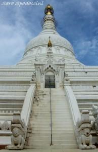 scalinata-del-pahtodawgyi-pagoda-1-amarapura-birmania