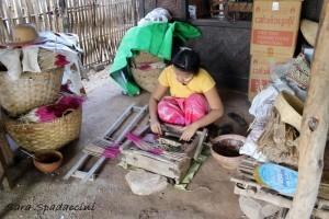 creazione-di-incensi-vicino-a-pakokku-myanmar
