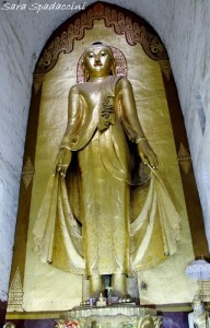 statua-di-buddha-dentro-lananda-temple-a-bagan-3-birmania