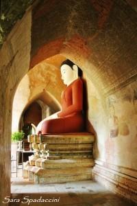 statua-presso-il-sulamani-temple-a-bagan-birmania